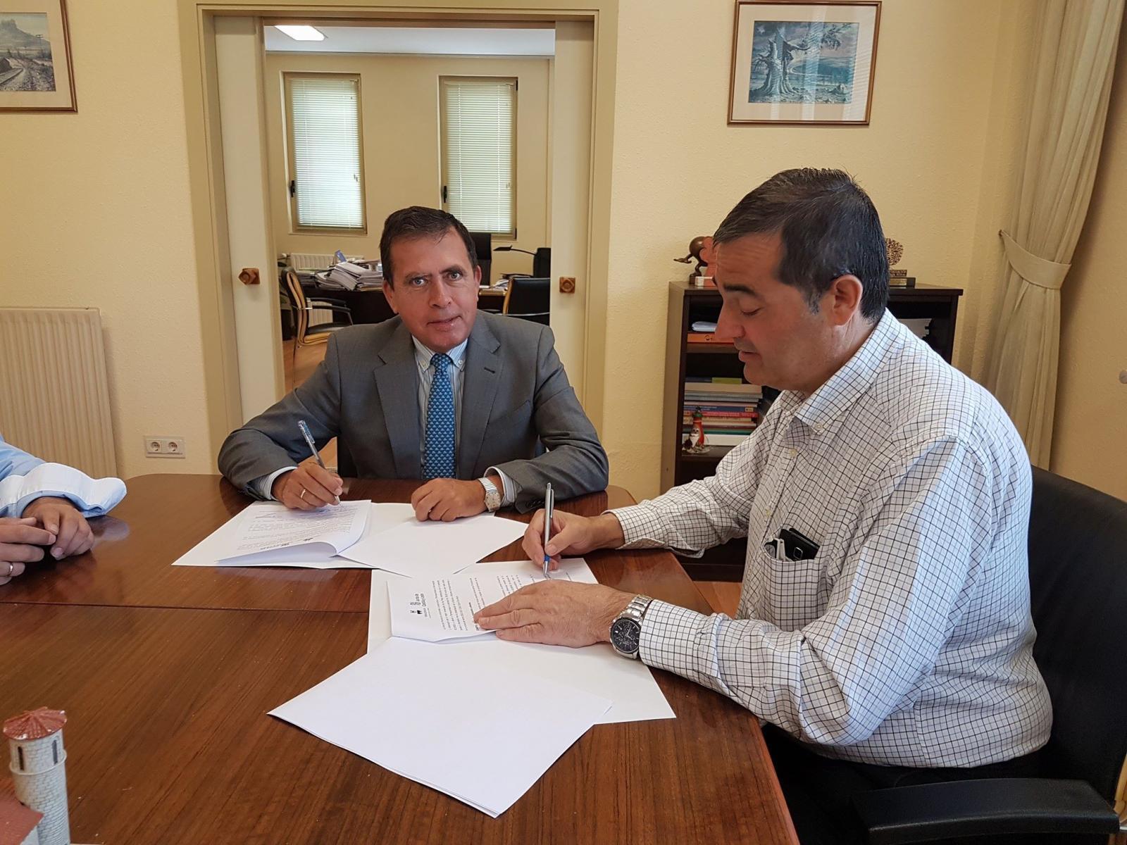 Firma acuerdo colaboración DP Educacion 2017