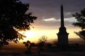 Puesta de sol en el cerro de La Muela.. Tomás Sanz. Numancia