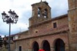 Vista de la iglesia parroquial de San Juan Bautista, Garray. ACC Tierraquemada. Garray, Soria