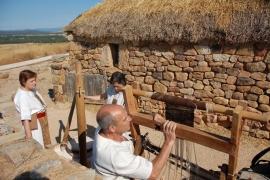 Miembros de Tierraquemada en el Yacimiento Arqueológico de Numancia